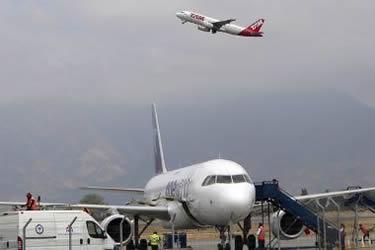 Incipiente mejora en Brasil ayuda a suavizar aterrizaje de Qatar en propiedad de LATAM Airlines
